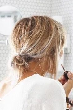 Cute Easy Hairstyle Ideas for Short Hair frisuren frauen frisuren männer hair hair styles hair women Ombré Hair, New Hair, Your Hair, Short Thin Hair, Short Hair Styles, Messy Bun For Short Hair, Thick Hair, Messy Buns, Styling Short Hair Bob