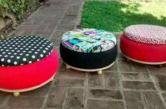 Creative DIY chair from an old tyre / tire Tire Seats, Tire Chairs, Tire Ottoman, Tire Craft, Tire Furniture, Recycling Furniture, Furniture Ideas, Tyres Recycle, Upcycle