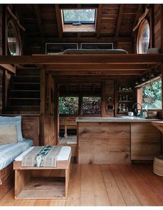 A little hand built kauhale in Hawaii by for Malia and Jess. Simple, beautiful, just about all you need. Tag someone who'd love to see… Tiny House Loft, Tiny House Living, Tiny House Plans, Tiny House Design, Living Room, Tiny House Movement, Cabin Homes, Home Interior Design, Small Spaces