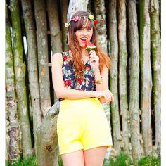 Gele hoge taille broek | Fashion Webshop http://www.loavies.com/hoge-taille-short.html