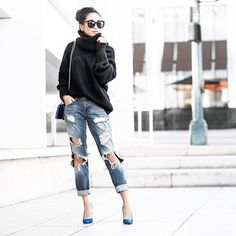 New blog post [link in bio!] Casual Friday with boyfriend jeans and a cozy oversized sweater on www.wendyslookbook.com 💙
