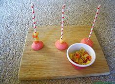 Recursos para trabajar la psicomotricidad fina - Web del maestro Montessori, Crochet Necklace, Projects To Try, Crafts, Andalucia, School, Learning Numbers, Preschool Reading Activities, Infant Activities