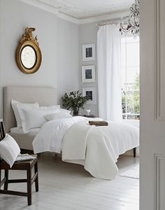 Sleep better thanks to Feng Shui: This is how you optimally furnish your bedroom! - Feng Shui for the bedroom - Feng Shui Bedroom Layout, Bedroom Layouts, Bedroom Styles, Bedroom Designs, Bedroom Themes, Dove Grey Bedroom, Bedroom Black, Bedroom Ideas Grey, Bedroom Inspiration