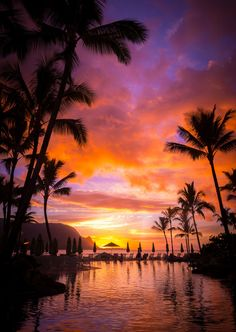 lifeisverybeautiful:  Hanalei Bay / Princeville Kauai Hawaii (via Sunglasses Required by Alan Fullmer / 500px)