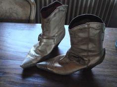 Je viens de mettre en vente cet article  : Bottines  400,00 € http://www.videdressing.com/bottines/celebrity-shoes/p-2322248.html?utm_source=pinterest&utm_medium=pinterest_share&utm_campaign=FR_Homme_Chaussures_2322248_pinterest_share