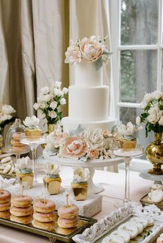 27 Ideas For Vintage Wedding Cake Table Events All White Wedding, Trendy Wedding, Elegant Wedding, Our Wedding, Wedding Ceremony, Parisian Wedding, White Weddings, Wedding Vintage, Perfect Wedding