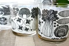 Set of five adorable Georges Briard glasses.