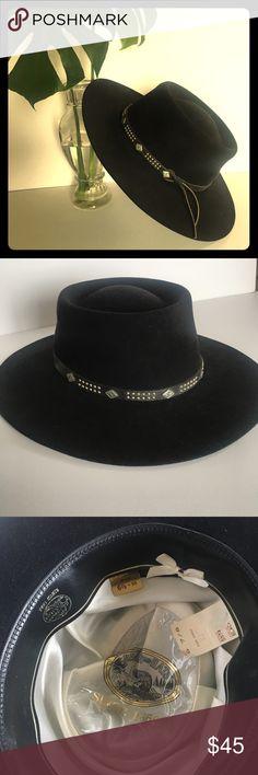 Vintage Bolero Wool Felt Black Hat Black genuine fur felt bolero 28045c52cac0