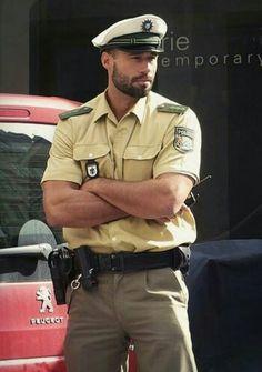 Bearded polizei