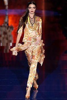 Valentino Spring 2003 Couture Fashion Show - Valentino Garavani, Mariacarla Boscono (Viva)