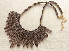 斜めボーダーのきらきらタガーチョーカー Beaded necklace