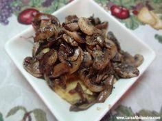 Puré de Grão com Cogumelos Salteados e Cubos de Vitela em Vinagre Balsâmico