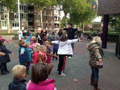 Opening #Kinderboekenweek bij de Bibliotheek #Liemers in #Zevenaar met #Dansjefit. Woensdag 2 oktober 2013. via twitter @spruijtmc.