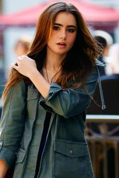 Lily collins hair color in abduction
