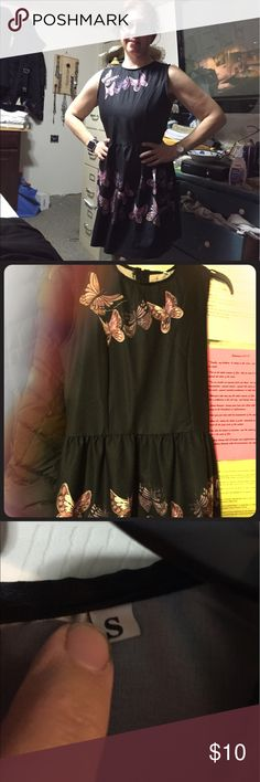 Beautiful black dress with butterflies, small Beautiful black dress with butterfly pattern, size small, knee length, back zip, never worn except to try on Dresses Midi