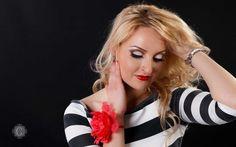 Make Up, Crown, Fashion, Moda, Corona, Fashion Styles, Makeup, Beauty Makeup, Fashion Illustrations
