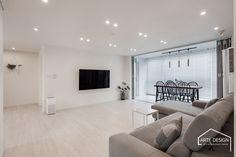 Interior Design Companies, Interior Decorating, Sweet Home, Living Room, Home Decor, Ceiling, Houses, Decoration Home