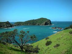 Tutukaka (Northland, New Zealand) miss Waka ama here :) Ataahua ne! Places Around The World, The Places Youll Go, Places To Go, Bay Of Islands, Greek Islands, Marlborough Sounds, New Zealand Beach, Kiwiana, The Beautiful Country