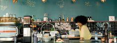 Simon Says, Gent. Place-to-be voor een brunch (lees: place m'as tu vu), lekker en veel bio, Panamarenko interieur, niet zo goedkoop.