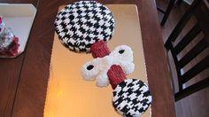 Houndstooth baby rattle. WOW!   Google Image Result for http://1.bp.blogspot.com/_dTQotCRzTto/TK_esXKiaGI/AAAAAAAAAIw/-oKUtP_1o48/s1600/cakes%2B154.jpg
