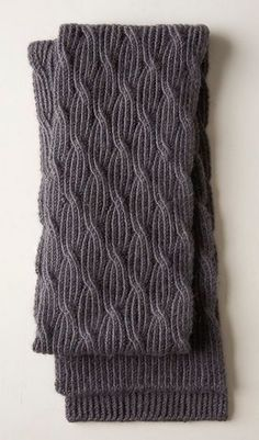 Reversible Rivulet Scarf This unique patterned scarf almost looks like a waterfall draping down your neck when worn! As an added bonus, it looks exactly the same on both sides! Cable Knitting Patterns, Knitting Stitches, Knit Patterns, Free Knitting, Baby Knitting, Mens Scarf Knitting Pattern, Knitting Ideas, Knitting Machine, Loom Knitting
