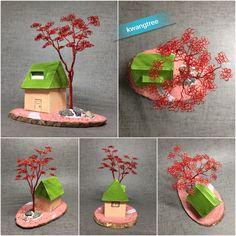 나무와 집 딸이 두꺼운 종이로 만든 집, 주워 온 돌멩이 몇개로 장식 후 물감으로 대충 색칠... #철사공예 #와이어아트 #와이어공예 #WireArt #WireCrafts #ワイヤーアート #針金細工 #はりがねさいく #Wiretree #WireWood #树