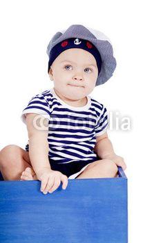 Baby kleinkind im matrosenanzug