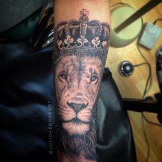 Lion with a crown tattoo by Julio Ferrer in Sacramento, CA. Instagram: @julioferrerart www.ferrerart.com  #lion #tattoo #blackandgrey #realism #liontattoo #crowntattoo #sacramento #california