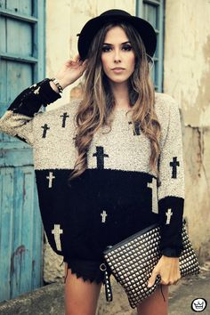 Look Du Jour: Superunknown ( Studded Clutches & Sweaters )
