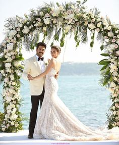 Turkish acting couple, Burak Ozcivit and Fahriye Evcen, tied the knot recently, and both the bride and groom looked incredible on their big day. Wedding Poses, Wedding Couples, Wedding Dresses, Wedding Engagement, Wedding Beauty, Dream Wedding, Wedding Of The Year, Groom Looks, Celebrity Weddings