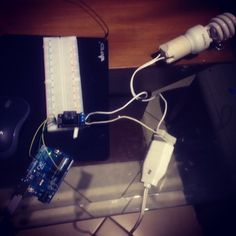 Testando arduino com módulo relé 5 segundos para ligar e desligar #arduino #brazil by gledsonamaro