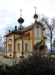 Orthodox Church (Tornio, Finland) by Estormiz ⛪️🇫🇮 Cathedral Basilica, Cathedral Church, Religious Architecture, Church Architecture, Grave Monuments, Old Churches, Church Building, Christian Church, Chapelle