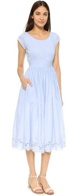 """Pin for Later: 50 Kleider für alle Gäste einer Hochzeit im Sommer  Tularosa hellblaues Kleid """"Shelby"""" (166 €)"""