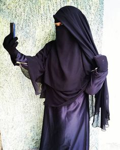 Two-piece niqab: front covering and back veil.
