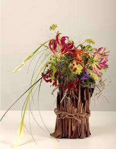 pas à pas (tutoriel flower arrangement) sur le blog : http://www.emilia-oliverio.com/mon-univers/#/creation-legere-et-raffinee