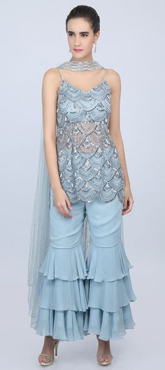 Perry winkle blue scallop embroidered fancy net suit with cut dana embroidered strap. Embellished in salli, tassel, cut dana and sequins work. Pakistani Dresses, Indian Dresses, Indian Outfits, Party Wear Dresses, Casual Dresses, Fashion Dresses, Simple Kurti Designs, Blouse Designs, Indian Designer Outfits