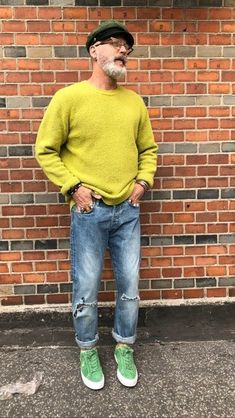 40 Classy Casual Outfits For Average Men Over 50 - Fashion Insider Fashion For Men Over 50, Older Mens Fashion, Old Man Fashion, 50 Fashion, Fashion Rings, Style Casual, Classy Casual, Casual Outfits, Men Casual