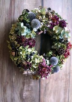 Such a day of Siberiazukizuki – Flowers Desing Ideas Xmas Wreaths, Autumn Wreaths, Door Wreaths, Christmas Decorations, Holiday Decor, Dried Flower Wreaths, Dried Flowers, Deco Floral, Arte Floral