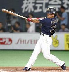 6回オリックス無死一、三塁、吉田正が右前に適時打を放つ=札幌ドーム