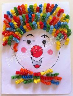 Clown met kapsel en kraag van muizentrapjes (klik door voor volledige uitleg). Grondvorm eventueel versieren met grote wiebelogen, rode dop als neus en grote mond van foam o.i.d.