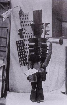 Pablo Picasso.Costume de Manager Français, 1917