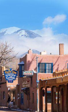 The Historic Taos Inn, Taos, New Mexico. Wonderful place to stay. Taos New Mexico, New Mexico Homes, New Mexico Vacation, Tennessee Vacation, Spanish Exterior, Alaska Travel, Alaska Cruise, Santa Fe Home, New Mexico