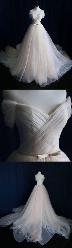 Stunning Classic vintage style wedding dress