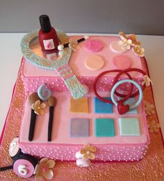 mousehouse - makeup party cake! http://domesticblissnz.blogspot.co.nz/