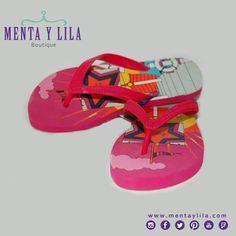 Bellas chinelas de Rosalita, para el mar, para ir a una piscina o para estar cómodas y regias en casa.   Mirá aquí con que las combinamos: http://www.mentaylila.com/blog/9-mujeres/234-outfits-y-combinaciones-de-menta-y-lila