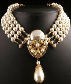 Miriam Haskell Exquisito Faux barroco collar de perlas de 1950.