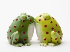 """""""toad""""ally cute salt and pepper shakers"""