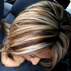 Find and explore the right fall bob hairstyles. So that is ideal options relating to fall bob hairstyles also numerous bob haircut selections. Blond Hair With Lowlights, Brown Hair Balayage, Brown Hair With Highlights, Hair Color Highlights, Perfect Hair Color, Cool Hair Color, Fall Bob Hairstyles, Melena Bob, Short Hair Cuts