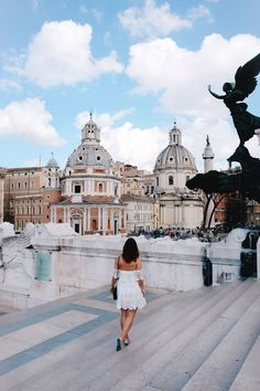 A guide to the best Airbnb apartment rentals in Italy, including Rome, Tuscany, Siena, Cinque . Cinque Terre, Rome Travel, Italy Travel, Oh The Places You'll Go, Places To Travel, Weekend In Rome, Rome Guide, Voyage Rome, Bon Plan Voyage