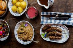 Von Safran, Orangensenf und dem Bratwurstäquator in Thüringen Orange, Sausage, Food, Mustard, Food And Drinks, Food Food, Eten, Sausages, Meals